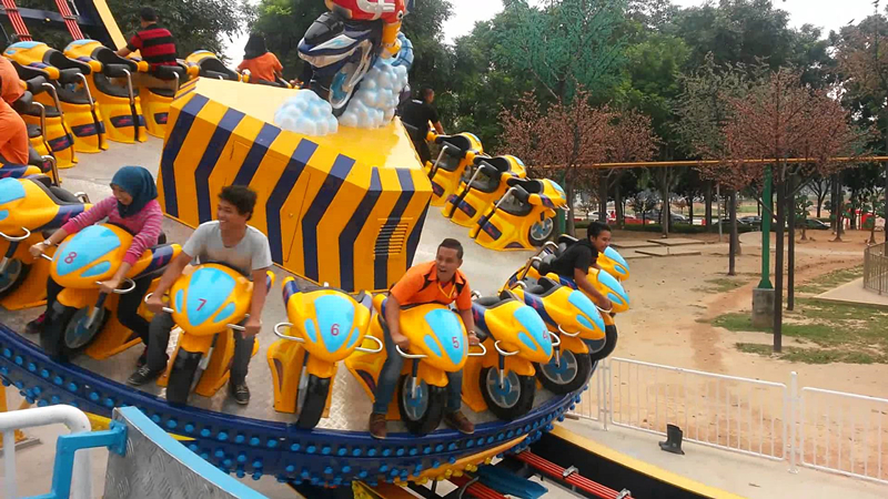theme park thrill ride